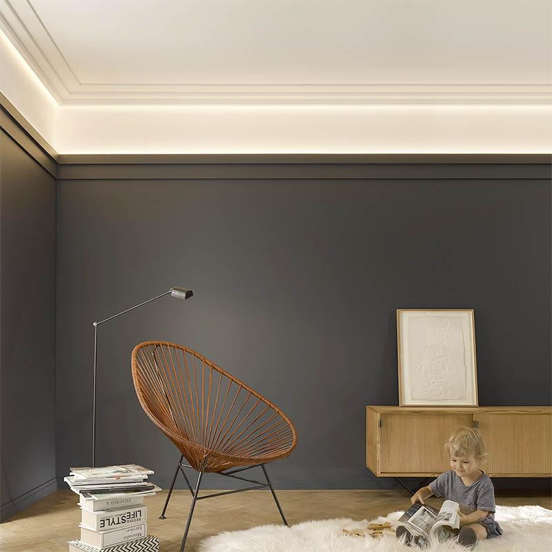 Wall and ceiling cornice with ED lighting